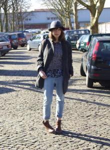 boyfriend-jeans-hat