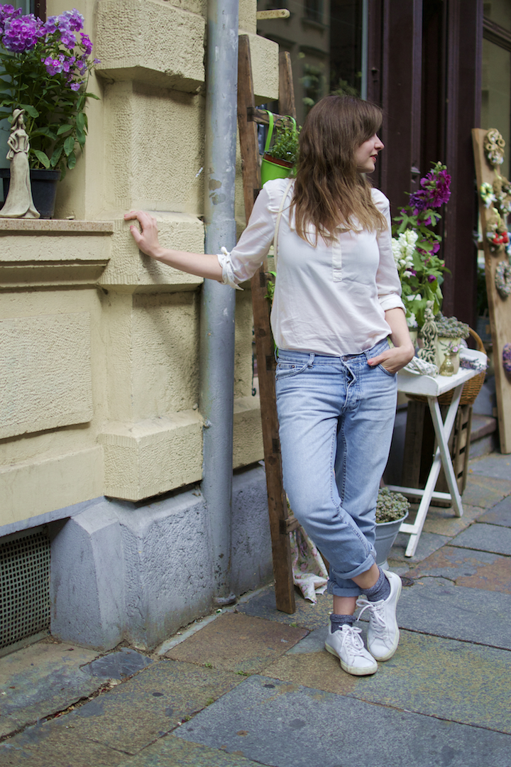 wunderwerk-bluse-veja-sneaker-marin-et-marine-rucksack-5