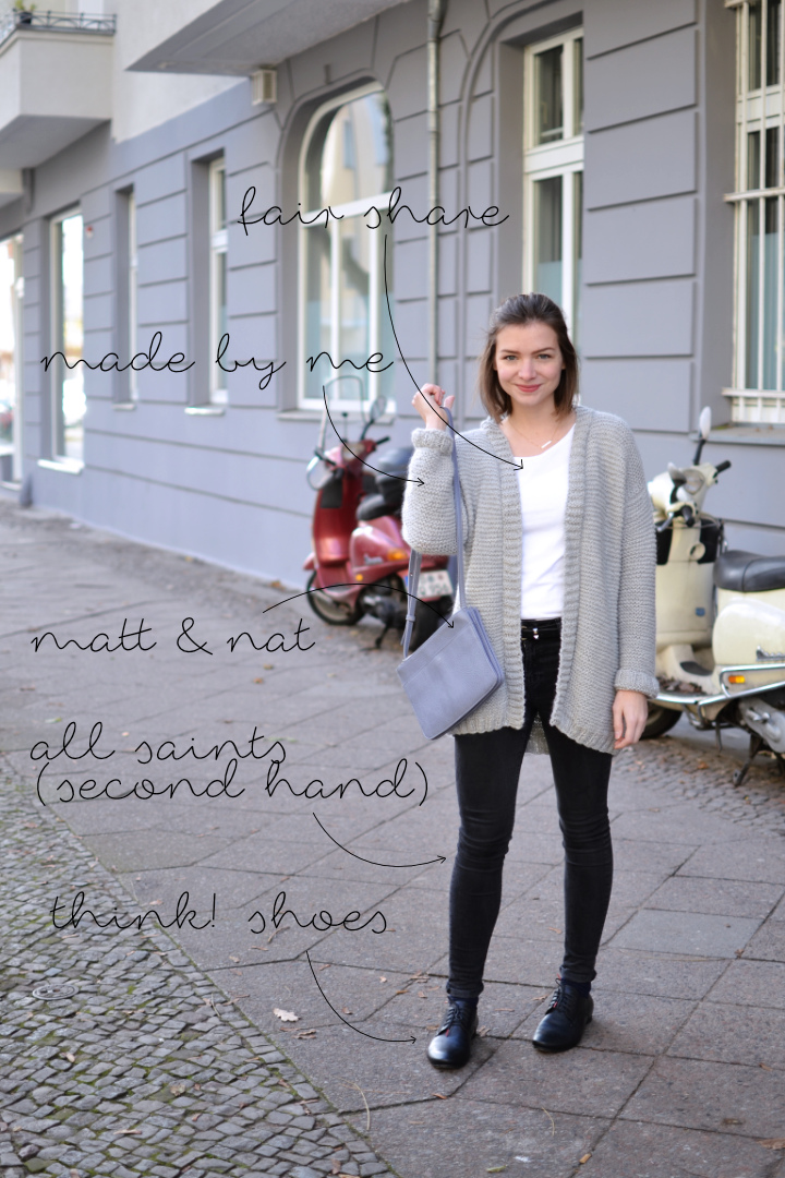 fair-fashion-outfit-knitted-light-grey-cardigan-1d